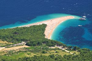 Accessible Holiday Rentals Zlatni Rat Beach - Disabled holidays