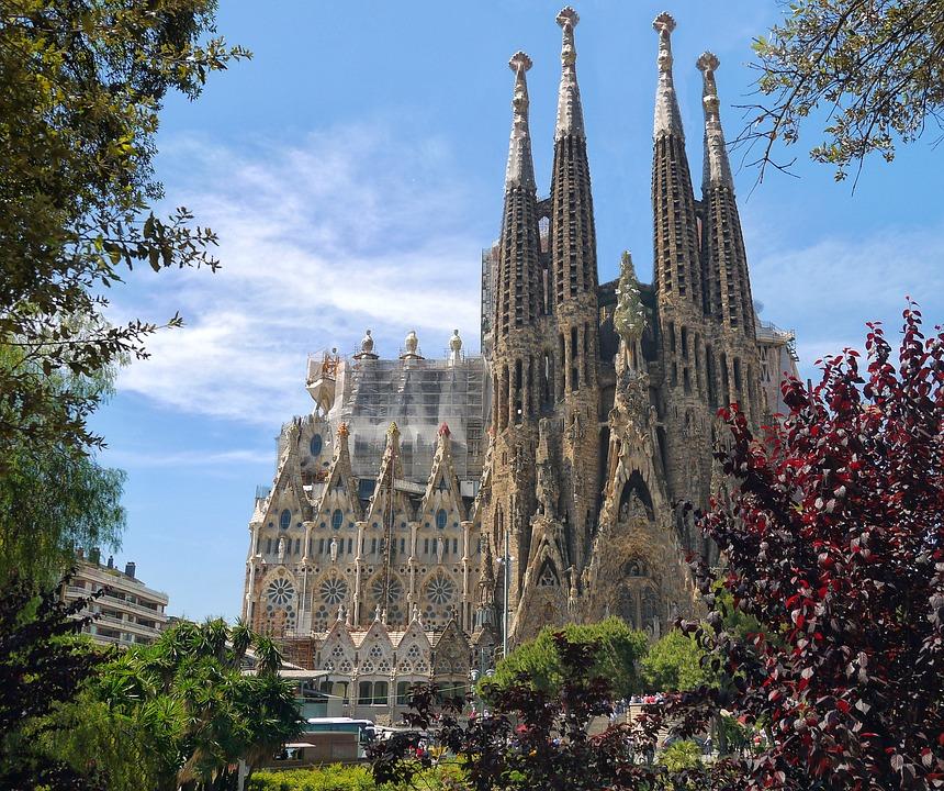 Una guía accesible para Barcelona, España: Qué ver y cómo moverse image 3