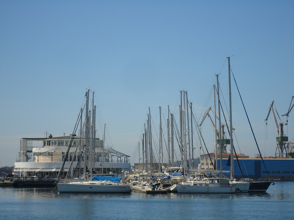 Boats, Pula