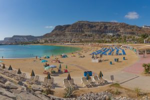 ccessible Playa Amadores, Gran Canaria, Spain