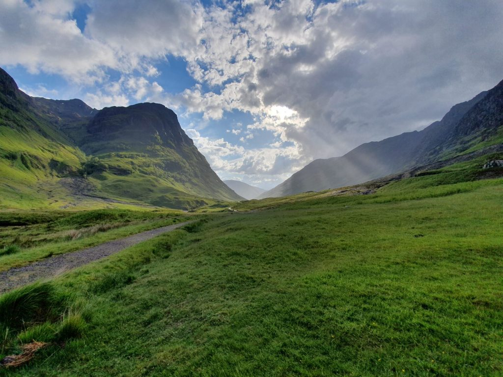 The 5 Best Accessible Hiking Trails in the UK image 1