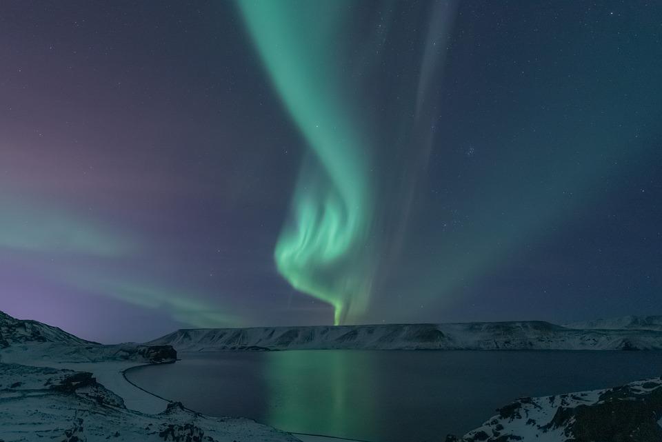 aurora-borealis-5599375-960-720