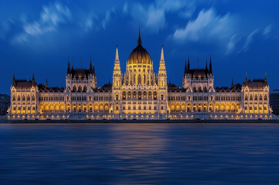 parliament-1440679-960-720