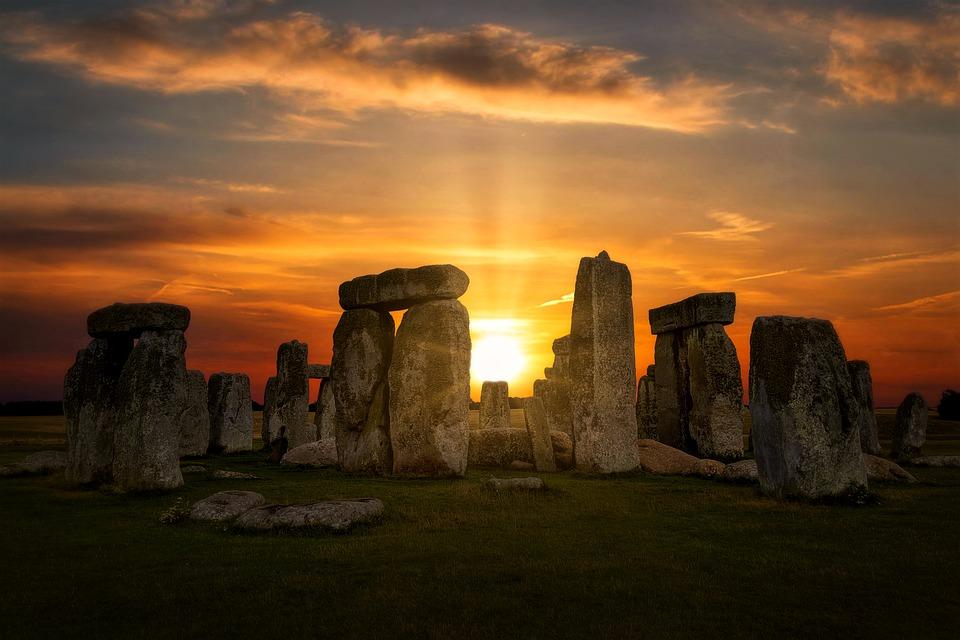 stonehenge-4614639-960-720