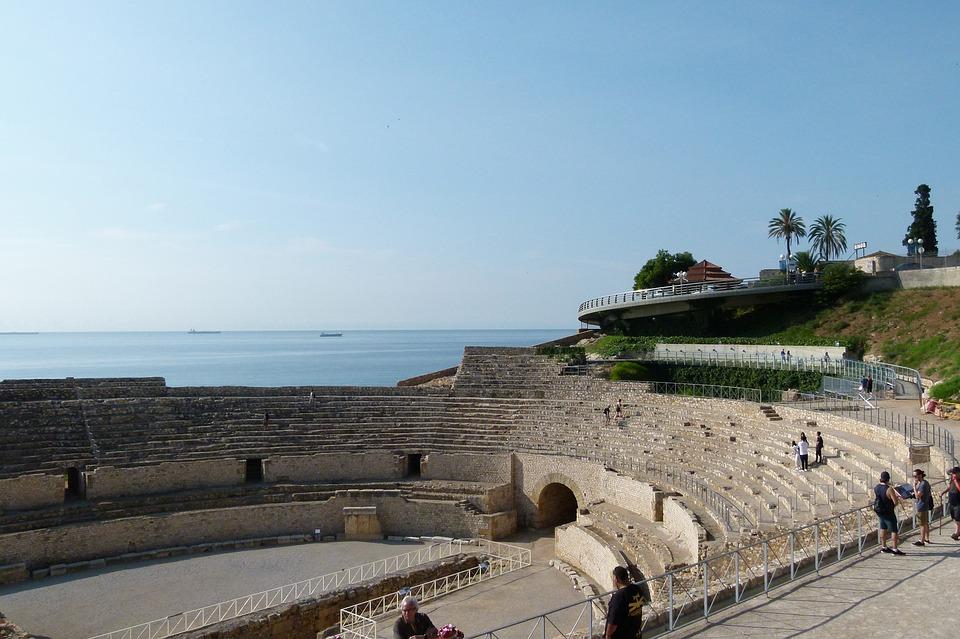 amphitheatre-3747114-960-720